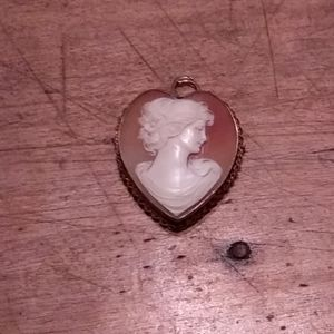 1930's heart shaped cameo pendant with gold fill